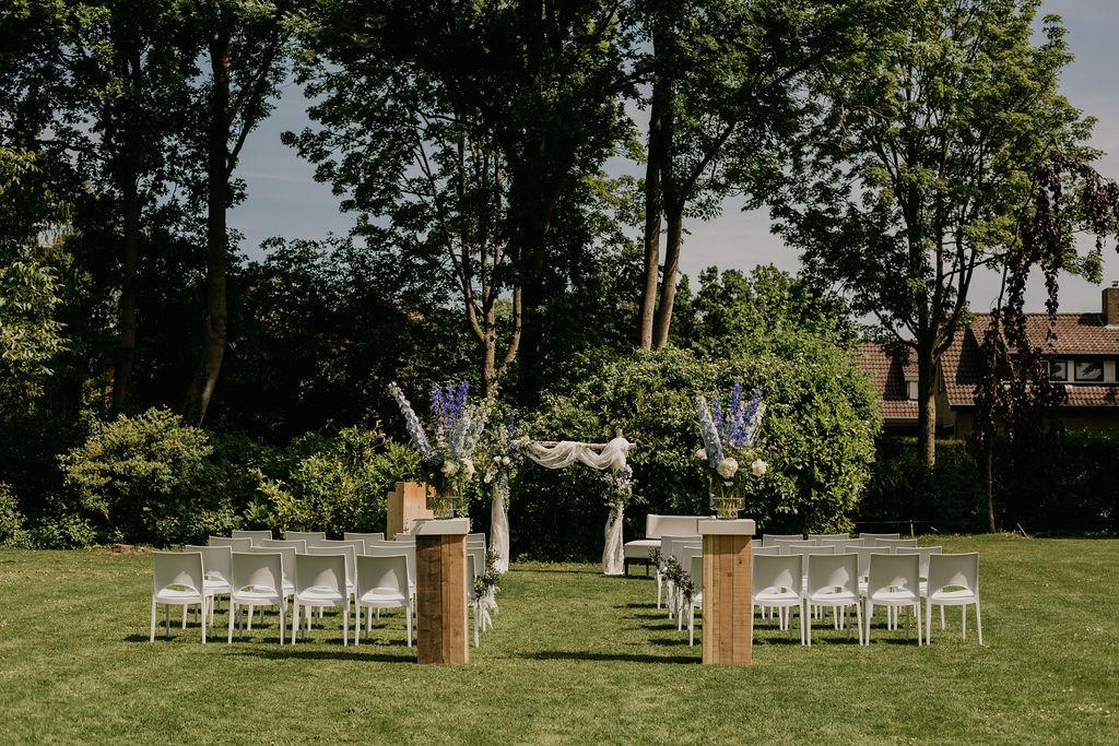 buiten ceremonie